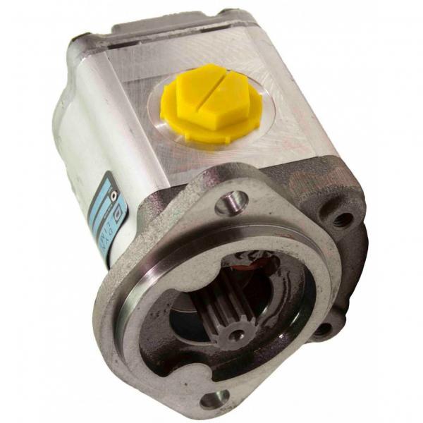 John Deere AT340361 Reman Hydraulic Final Drive Motor #1 image